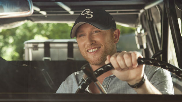 "Cole Swindell Says Performing on Macy's Thanksgiving Day Parade ""Doesn't Even Seem Real"""