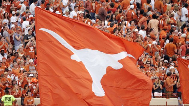 Texas QB David Ash Retires