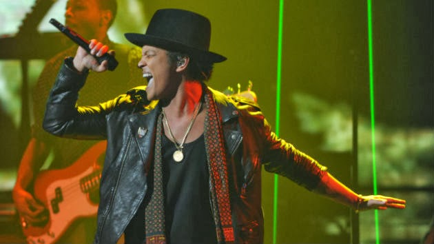 Bruno Mars to Play Rock in Rio, Red Hot Chili Peppers Benefit Event