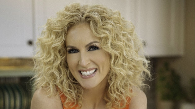 Little Big Town's Kimberly Schlapman Wants You to Help Lend a Ham to Those in Need