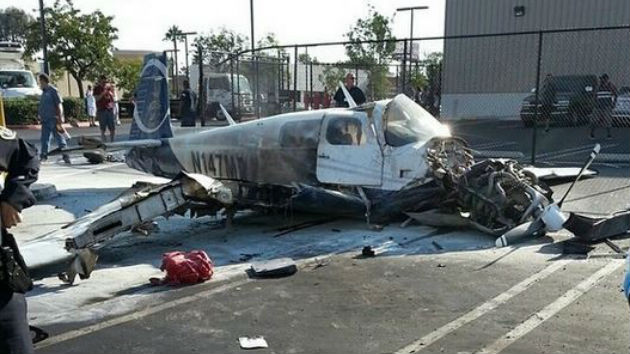one killed three injured in small plane crash in san diego parking lot wwgp 1050 am. Black Bedroom Furniture Sets. Home Design Ideas