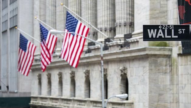 Stocks Close With Slight Gains