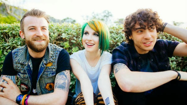 "Paramore Unveil Expanded Digital Version of ""Paramore"""
