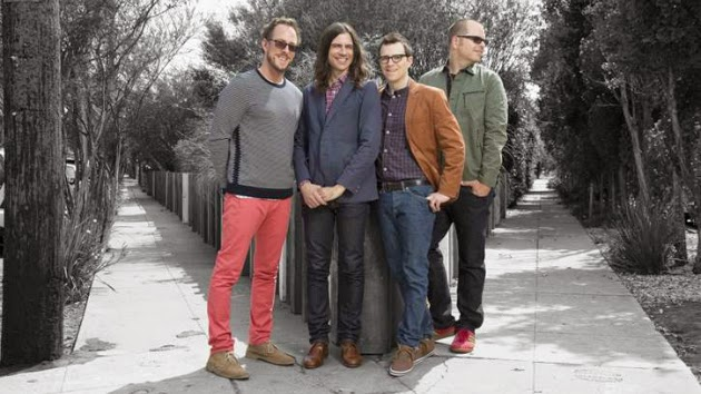 """Weezer Premieres Video for Single """"Back to the Shack"""""""