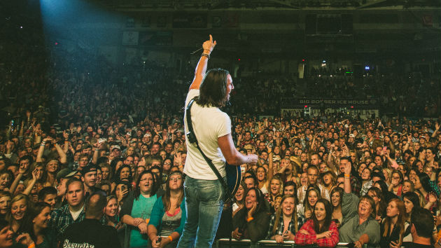 Jake Owen Hosting Annual Hometown Charity Concert Saturday in Vero Beach, FL
