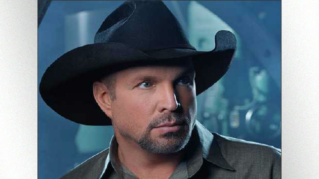 Garth Brooks Adds More Shows in Detroit