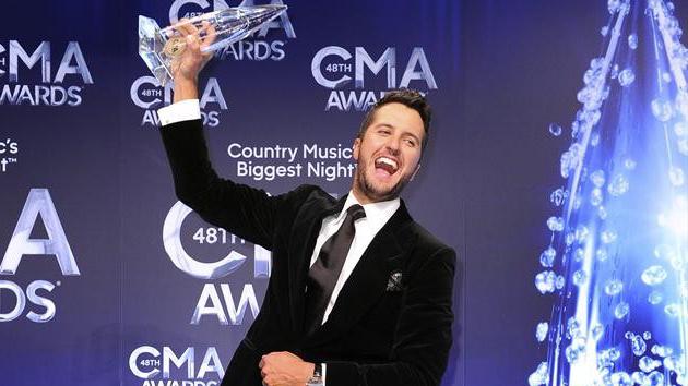 Luke Bryan Named Entertainer Of The Year Miranda Lambert