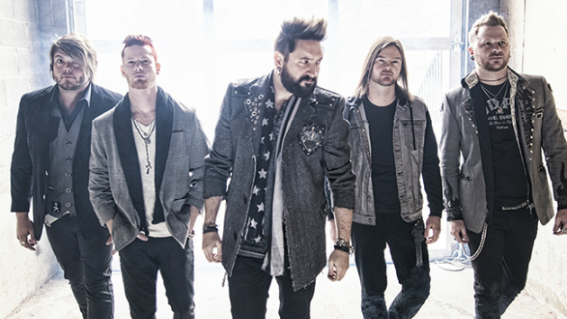 "Hinder Announces New Album, Unveil New Single, ""Hit the Ground"""
