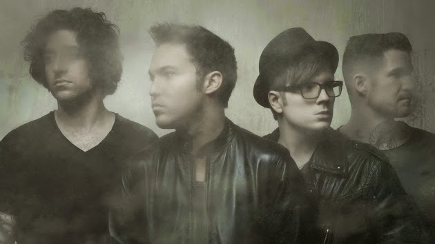 "Fall Out Boy Announces New Album, ""American Beauty/American Psycho"""