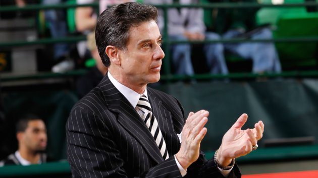 Pitino Picks Up 700th Career Win