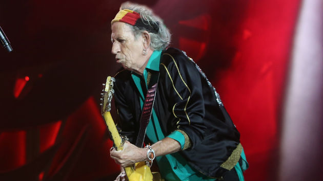 """Keith Richards Posts Holiday Greeting, Tells Fans """"See You Next Year"""""""