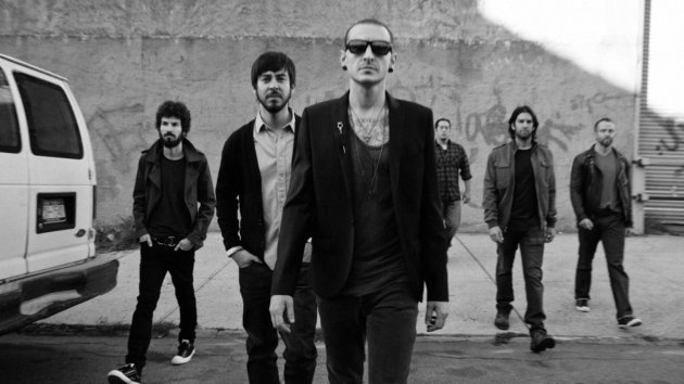 Linkin Park Cancels Entire Tour Due to Chester Bennington's Leg Injury