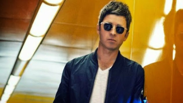 "Noel Gallagher Says The Black Keys Are ""the Greatest Shuffle Band of All Time"""