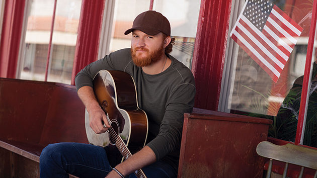 Eric Paslay and Fiancée Tie the Knot