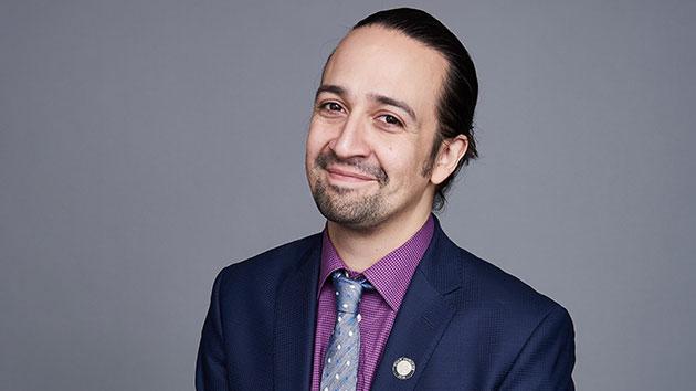 """""""Hamilton"""" Star Lin-Manuel Miranda to Host """"SNL"""""""