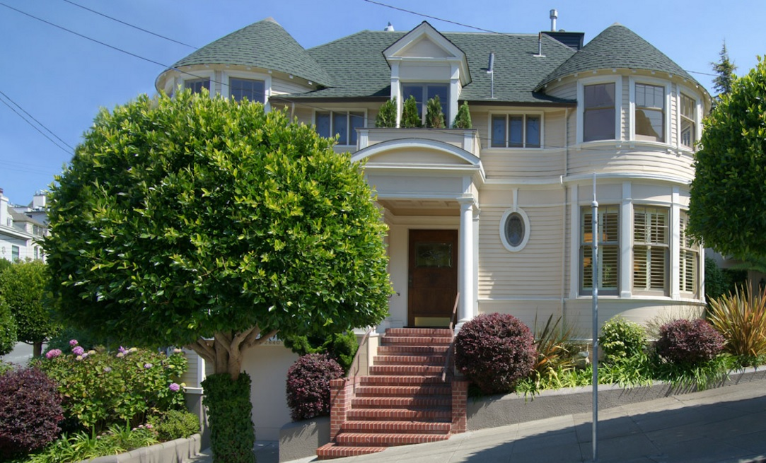 """Mrs. Doubtfire"" Home on the Market"