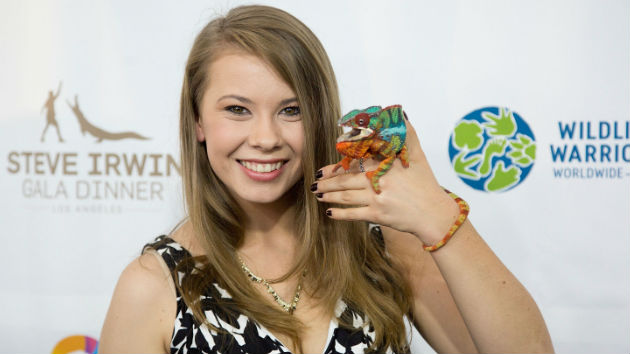 "Bindi Irwin posts tribute to late ""Crocodile Hunter"" father Steve on his birthday"