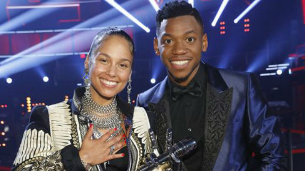"Chris Blue wins ""The Voice"""