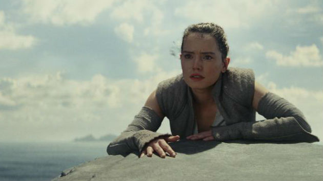 """Last Jedi"" star Daisy Ridley says being a ""Star Wars"" veteran just makes things ""scarier"""