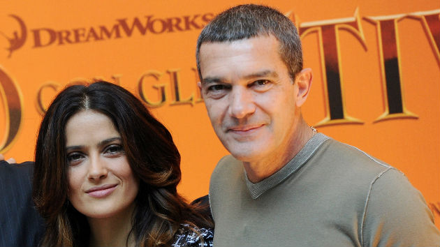 "Antonio Banderas says he ""firmly trusts"" Salma Hayek's allegations against Harvey Weinstein"