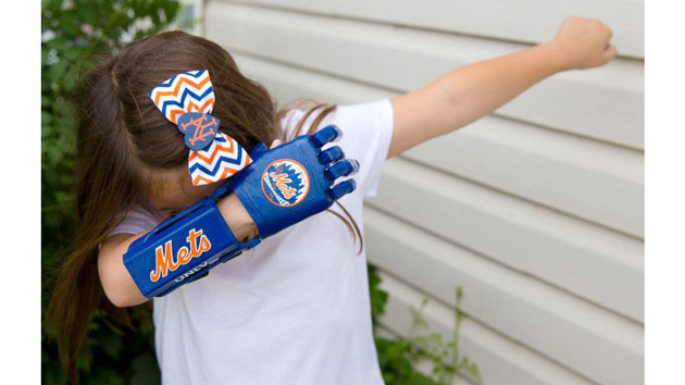 Girl with 3-D hand closing in on goal of throwing out the first pitch at all 30 MLB stadiums
