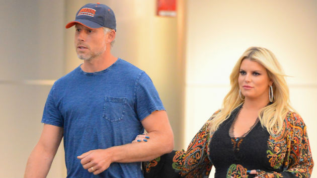 """SURPRISE"" - Jessica Simpson announces she's expecting third baby"