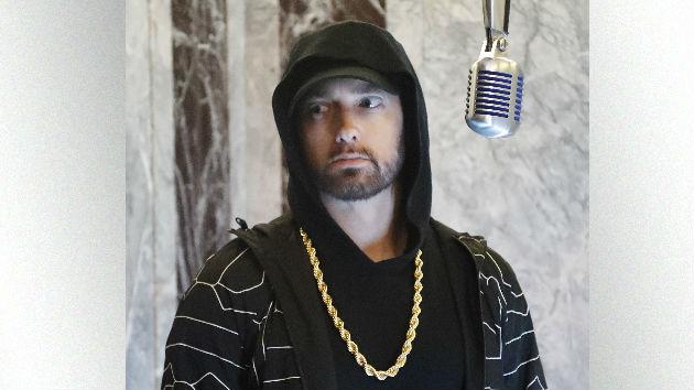 "Eminem gives Jimmy Kimmel a taste of ""Venom"" on top the Empire State Building"