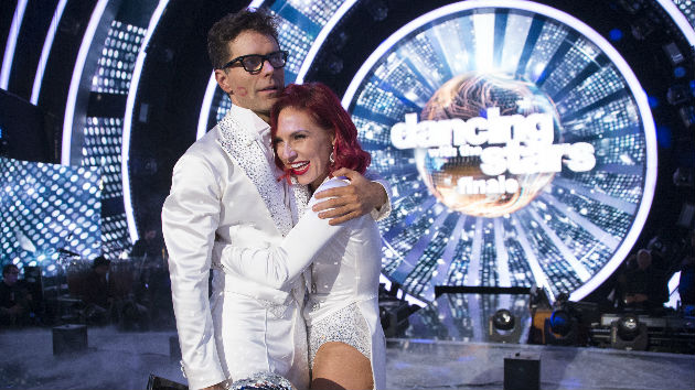 The Greatest Showman: In 'DWTS' finale shocker, Bobby Bones wins the Mirrorball Trophy