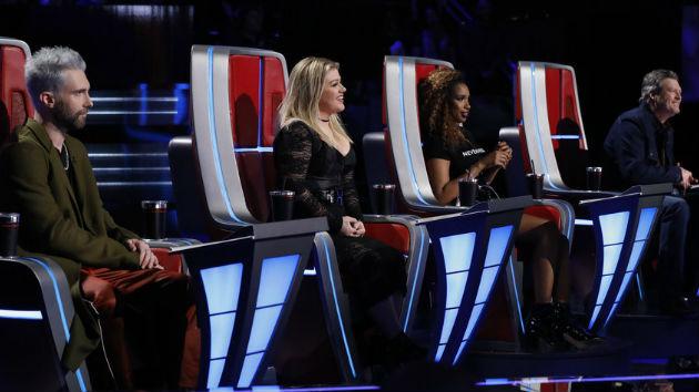 'The Voice': Adam Levine loses his last artist as four contestants are eliminated