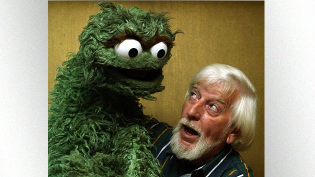 Caroll Spinney, who played Big Bird and Oscar the Grouch on 'Sesame Street', dies at 85