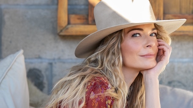 """LeAnn Rimes puts quirky Western spin on Lewis Capaldi's """"Someone You Loved"""""""