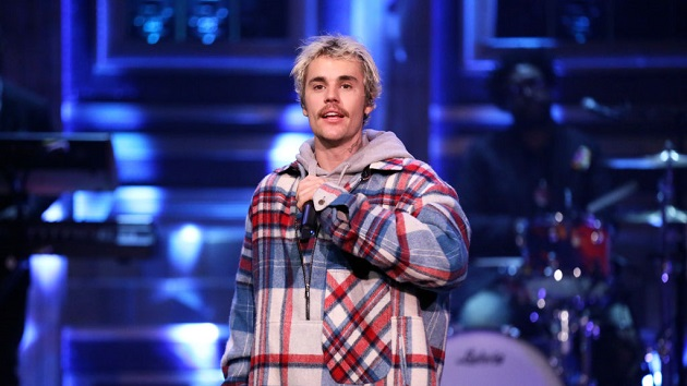"""A decade later, Justin Bieber sweetly reunites with fan he surprised with """"One Less Lonely Girl"""" performance"""