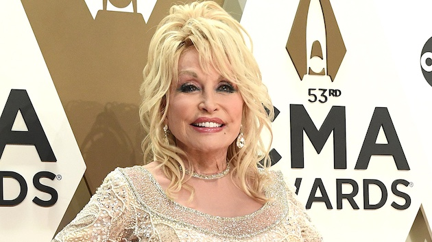 """Dolly Parton wrote one of her biggest hits during """"waiting-around time"""" on the set of '9 to 5'"""