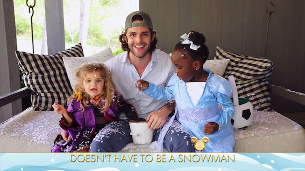 """Thomas Rhett hopes to raise his Black daughter to have """"open conversations"""" and """"grow up proud of herself"""""""