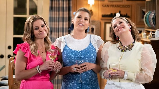 'Fuller House' finale takes one last shot at Olsen twins and addresses Lori Loughlin's absence