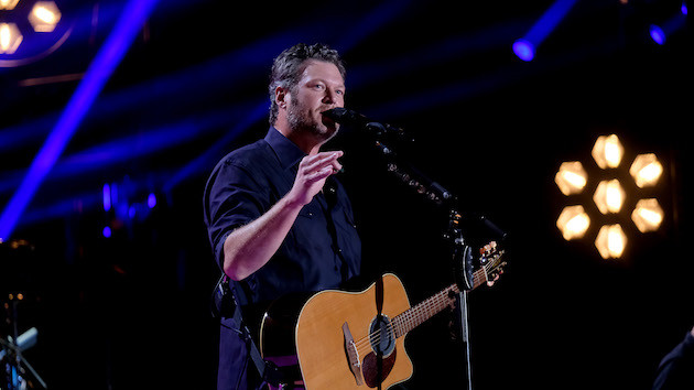 After some Twitter confusion, Blake Shelton delivers answer to fans still waiting on refunds for canceled shows