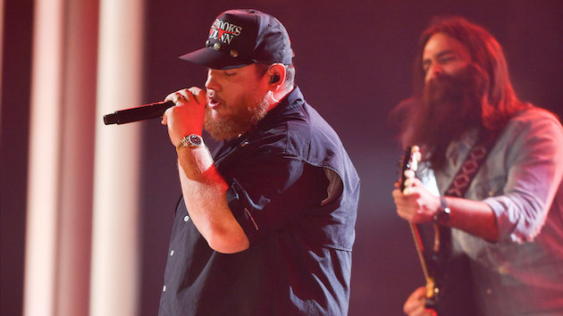 Luke Combs partners with Guitars 4 Vets for a second year, ahead of the ACM Awards