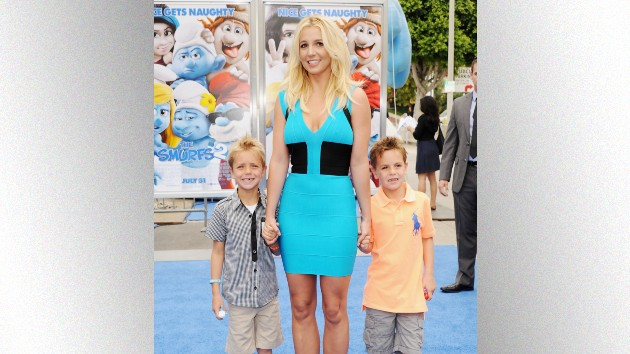 """Britney Spears praises her tall, """"gentlemen"""" sons: """"I must have done something right"""""""