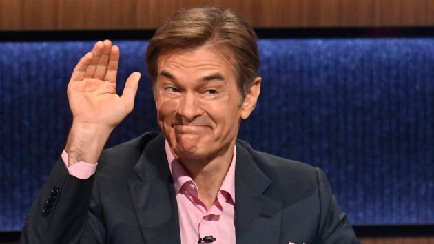 """You could save a life"" – Dr. Oz urges people to learn CPR after saving a man at airport"