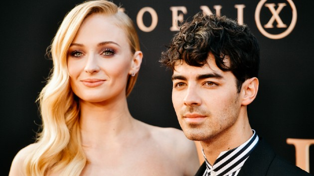 Sophie Turner praises Taylor Swift's new song, while fans think it's about Sophie's husband