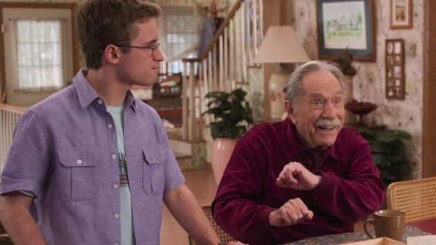 """'We will miss you, George': """"The Goldbergs"""" marks George Segal's final appearance with touching tribute to Pops"""