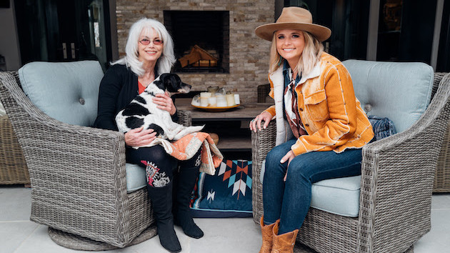 """Miranda Lambert's MuttNation kicks off """"Love Harder"""" campaign for dogs less frequently adopted"""