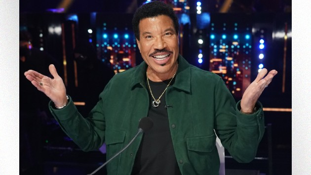 """Has Lionel Richie ever made love to his own songs? Luke Bryan says """"One million percent!"""""""