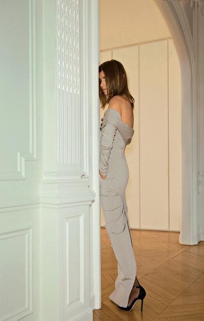 Julia Restoin-Roitfeld Denim Skirt - Julia Restoin-Roitfeld paired a black denim mini skirt with a lacy cami for the Margherita Missoni x Peroni Nastro Azzurro collaboration debut. .