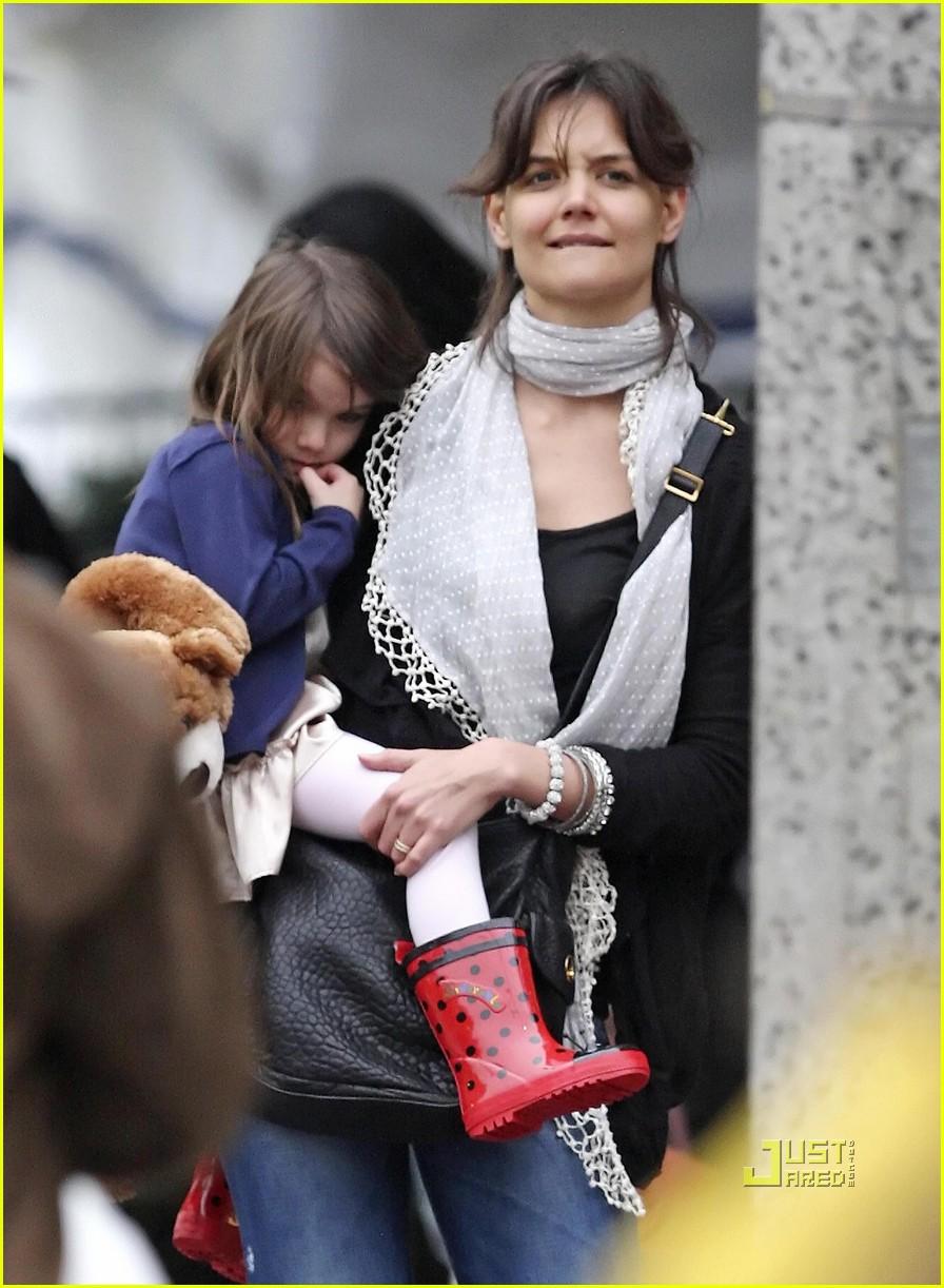 Suri Cruise And Her Many Rainboots Celebrity Baby