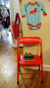 This Trendy Re Baby And Children S Clothing In West Seattle Carries Higher End Consignment Designer Brands Along With Gently Used Mid Tier Kids