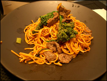 beef chow mein with broccolini