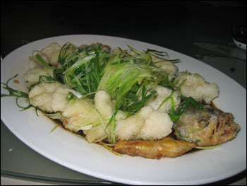 fried fish with scallions and soy sauce