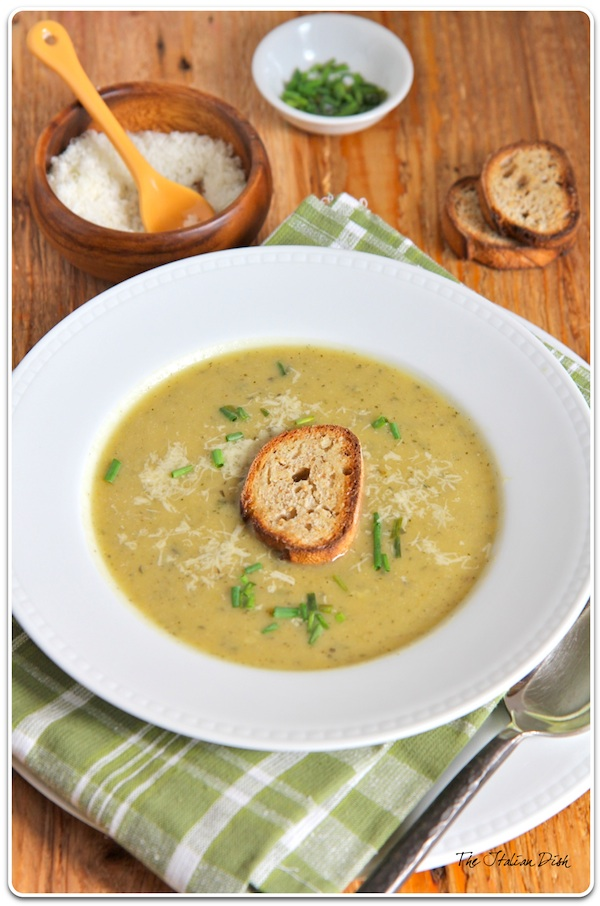 Zucchini Soup with Garlic Toasts
