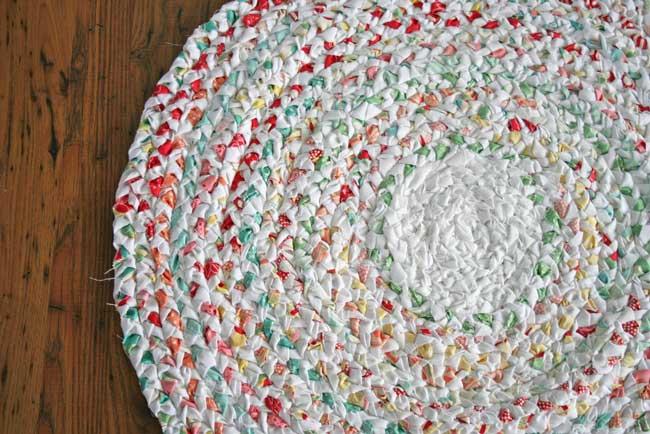 Плетеный коврик своими руками фото